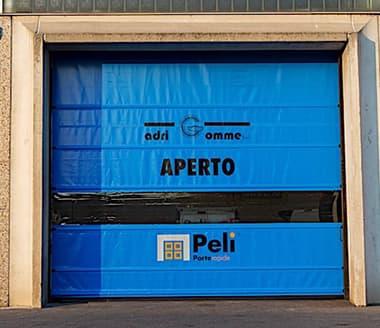 Dal 2002 realizziamo porte rapide in tutto il nord italia