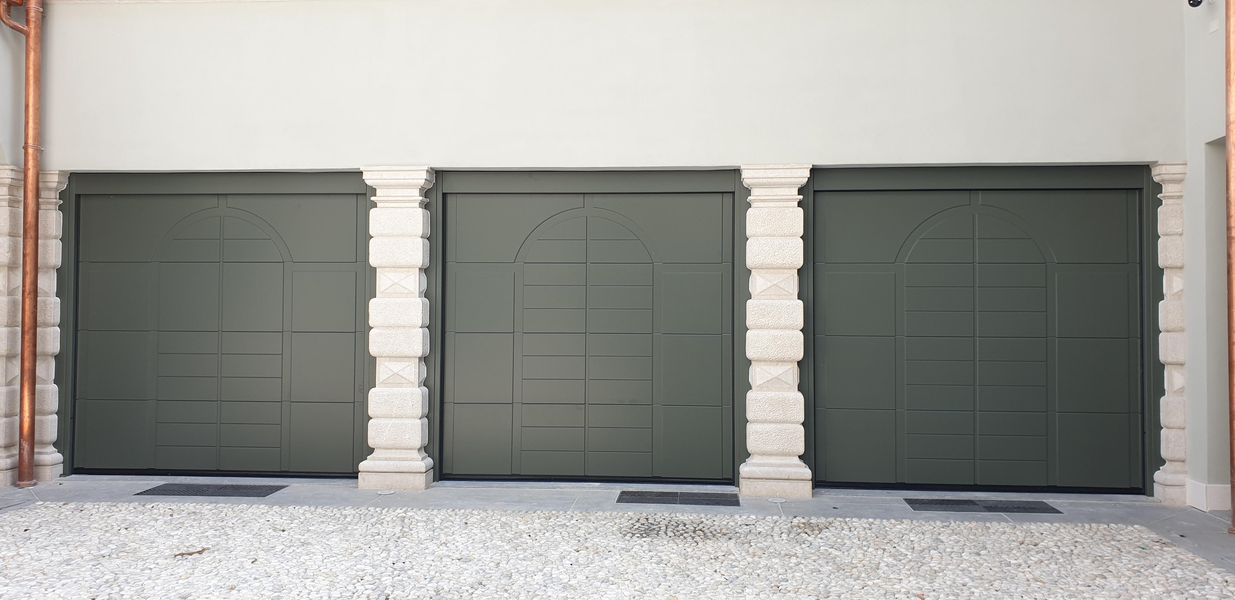 porte sezionali in legno